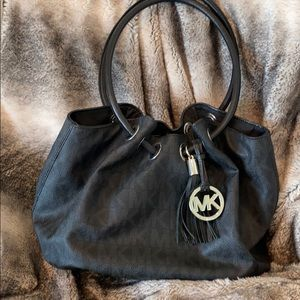 Micheal Kors like new black purse